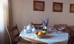 Garden Cottage To Rent in Hout Bay Central, Hout Bay