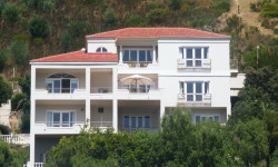 House To Rent in Hanging Meadows, Hout Bay