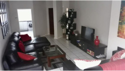 Apartment To Rent in Hyde Park, Sandton