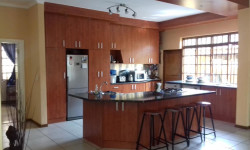 House To Rent in Claremont, Cape Town