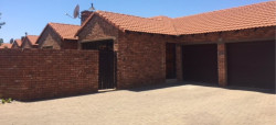 Townhouse To Rent in Montana, Pretoria