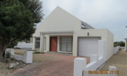 House For Sale in Yzerfontein, Yzerfontein