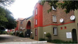 Apartment For Sale in Amberfield Glen, Centurion
