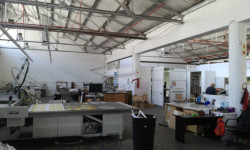 Industrial To Rent in Paardeneiland, Cape Town