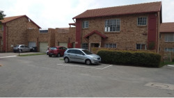 Simplex For Sale in The Reeds, Centurion