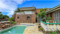 House For Sale in Bluewater Bay, Port Elizabeth