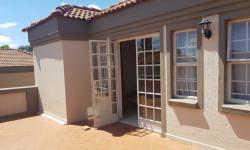 Duplex To Rent in Equestria, Pretoria