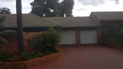 Townhouse To Rent in Lydiana, Pretoria