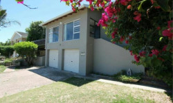House To Rent in Seafield, Port Alfred