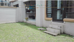 Apartment To Rent in Uvongo, Margate
