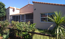 Townhouse For Sale in Elspark, Germiston