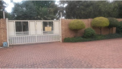 Townhouse To Rent in Kanonkop, Middelburg