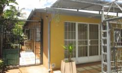 Bachelor Flat To Rent in Capital Park, Pretoria