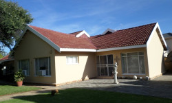 House For Sale in Vryburg, Vryburg