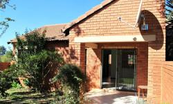 Townhouse To Rent in Moreletapark, Pretoria