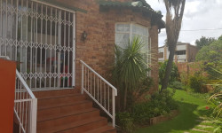 Cluster For Sale in Bergbron, Roodepoort