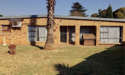 House For Sale in Strubenvale, Springs