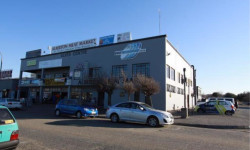 Office To Rent in Raceview, Alberton