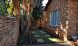 Cluster To Rent in Fairland, Randburg