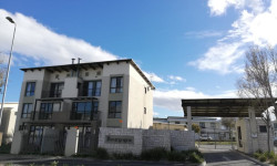Apartment For Sale in Burgundy Estate, Cape Town