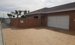 House To Rent in West Beach, Blouberg