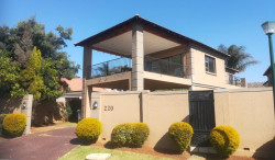 House For Sale in Willowbrook, Roodepoort