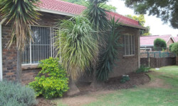 House To Rent in Rooihuiskraal, Centurion