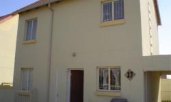 Duplex To Rent in Kosmosdal, Centurion