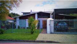 Bachelor Flat To Rent in Stellenbosch Central, Stellenbosch