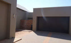 House For Sale in Omeya Golf Estate, Windhoek