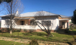 House For Sale in Prince Alfred Hamlet, Prince Alfred Hamlet