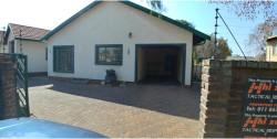 Garden Cottage To Rent in Brackendowns, Alberton