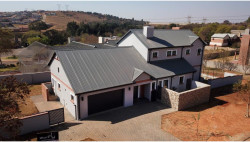 House For Sale in Rietvlei Heights Country, Pretoria
