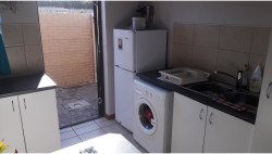 Townhouse To Rent in Sherwood, Port Elizabeth