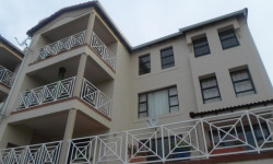 Apartment To Rent in Constantia Kloof, Roodepoort