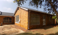 House To Rent in Carletonville Central, Carletonville