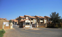 Apartment To Rent in Boardwalk Villas, Pretoria