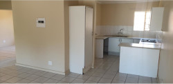 Apartment To Rent in Faerie Glen, Pretoria