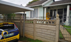 Duplex For Sale in Malvern, Queensburgh