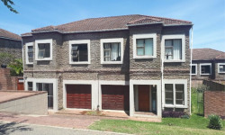 Townhouse To Rent in Abbotsford, East London