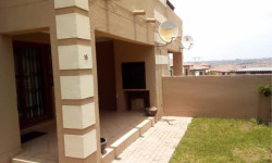 Apartment To Rent in Kosmosdal, Centurion