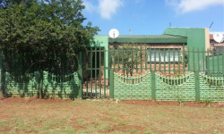House To Rent in Georginia, Roodepoort