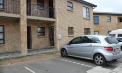 Apartment For Sale in Fairview Golf Estate, Gordons Bay