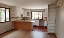 Apartment To Rent in Claremont Upper, Cape Town