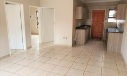 Townhouse To Rent in Potchefstroom Central, Potchefstroom