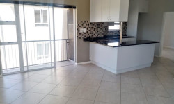 Apartment To Rent in Buhrein, Cape Town