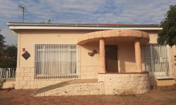 House For Sale in Goedgedacht, Kroonstad
