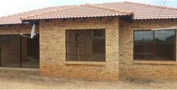 Townhouse To Rent in Chroompark, Mokopane