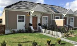 Townhouse To Rent in Klapmuts, Stellenbosch