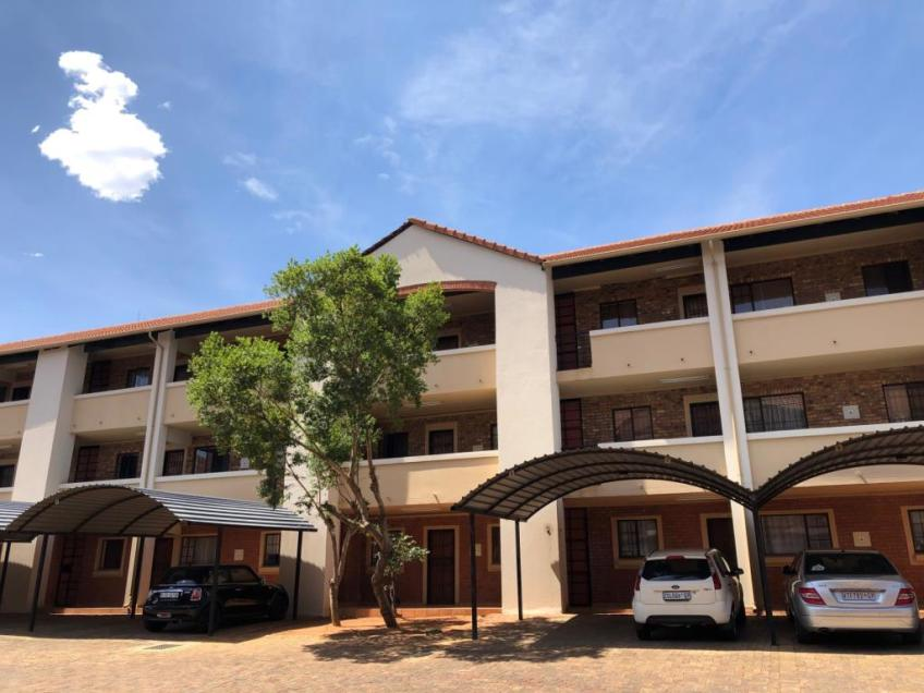 Swell 2 Bedroom Apartment To Rent In Carlswald Midrand Gauteng Home Interior And Landscaping Mentranervesignezvosmurscom